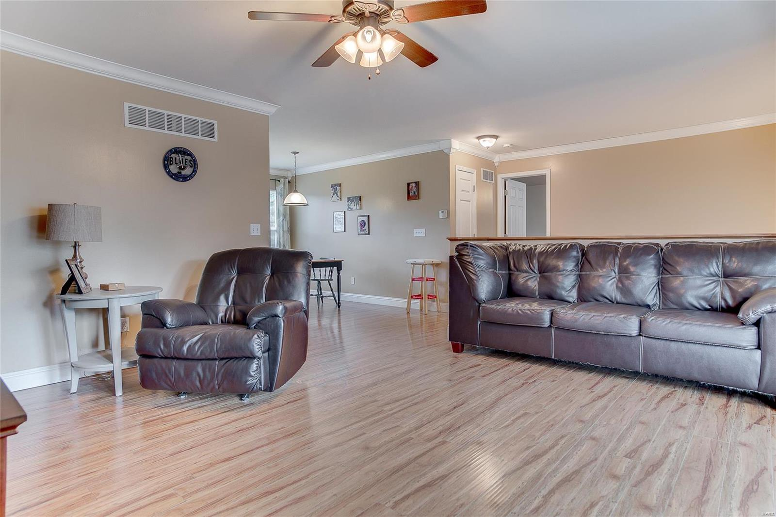323 Shady Oak Court Property Photo - St Clair, MO real estate listing