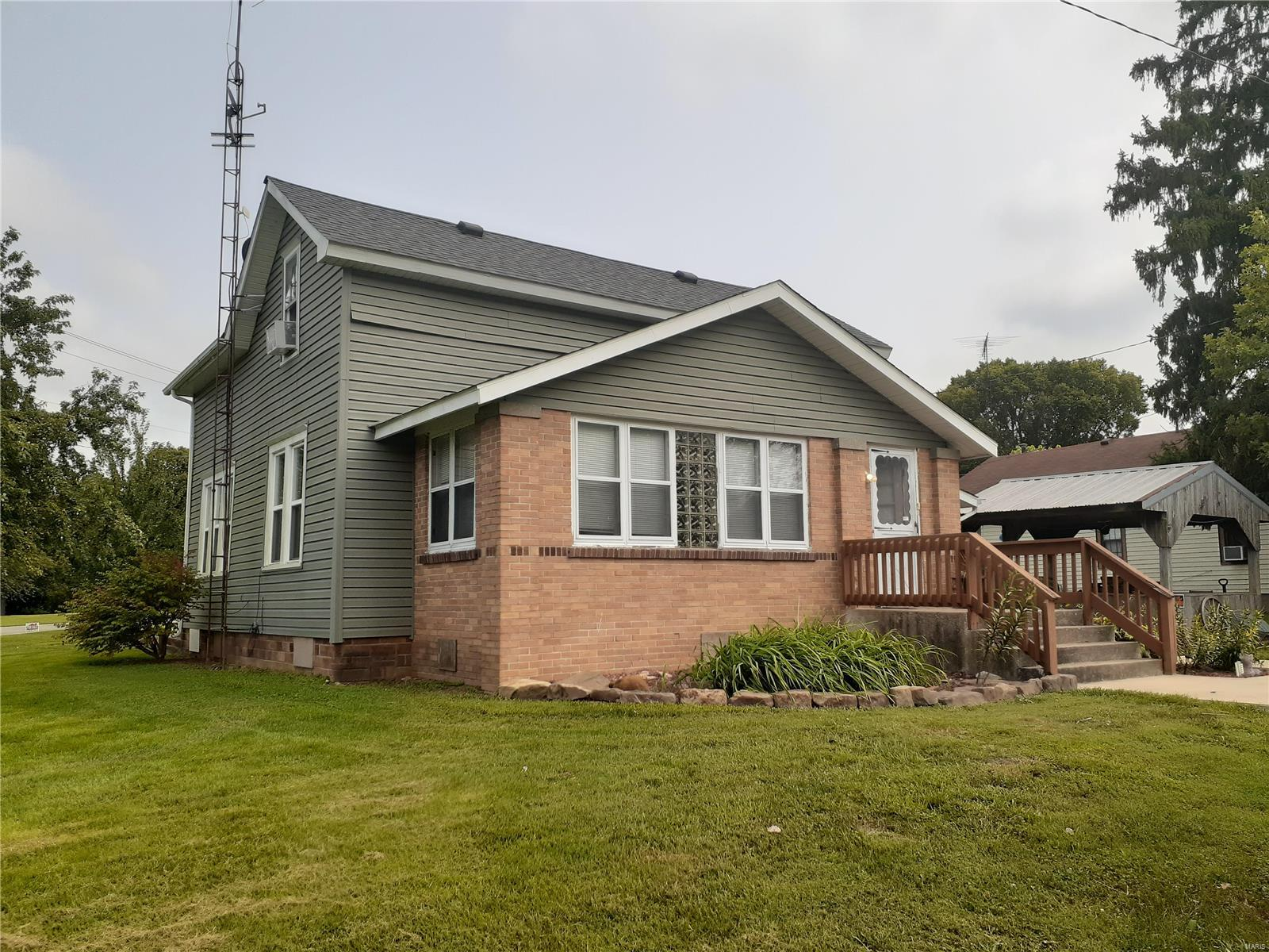 103 Cherry Property Photo - Campbell Hill, IL real estate listing