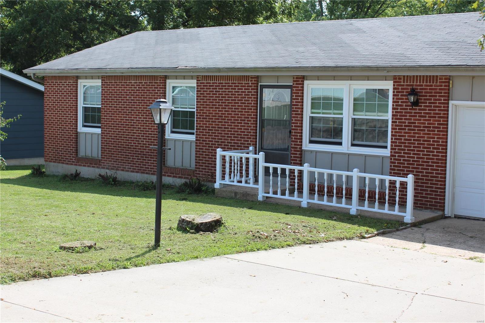 553 Kent Lane Property Photo