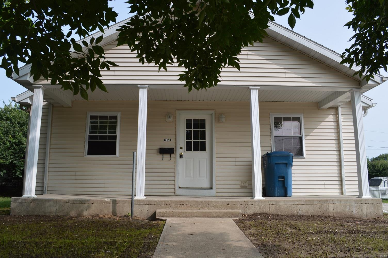 802 Hampton Lane Property Photo - Canton, MO real estate listing