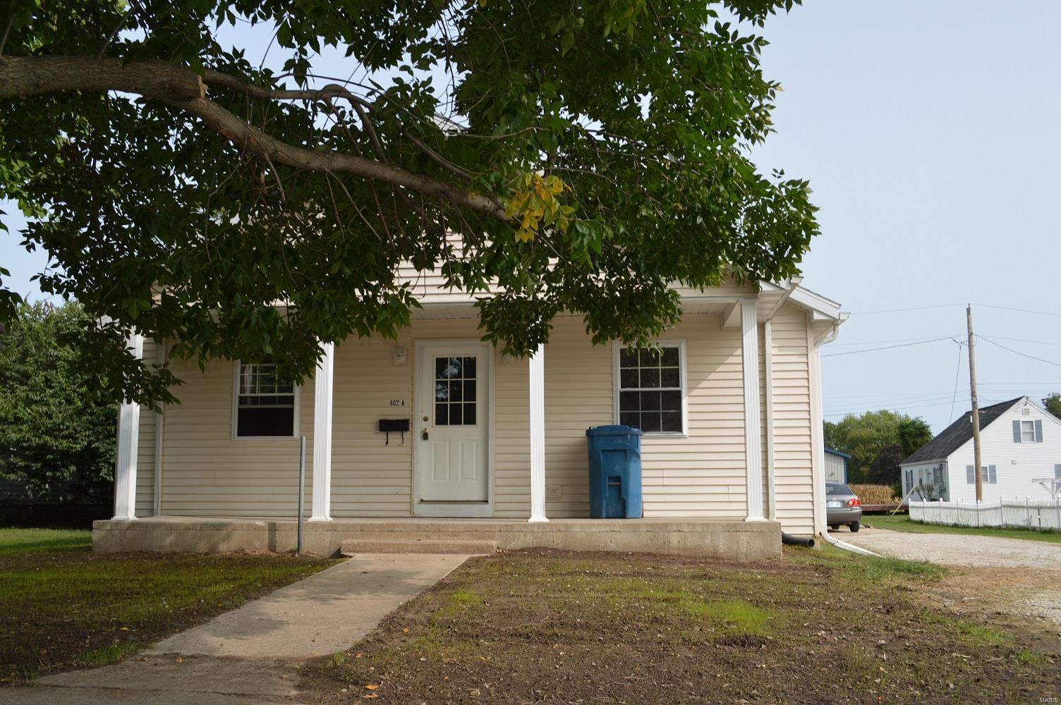 802 Hampton Lane Property Photo
