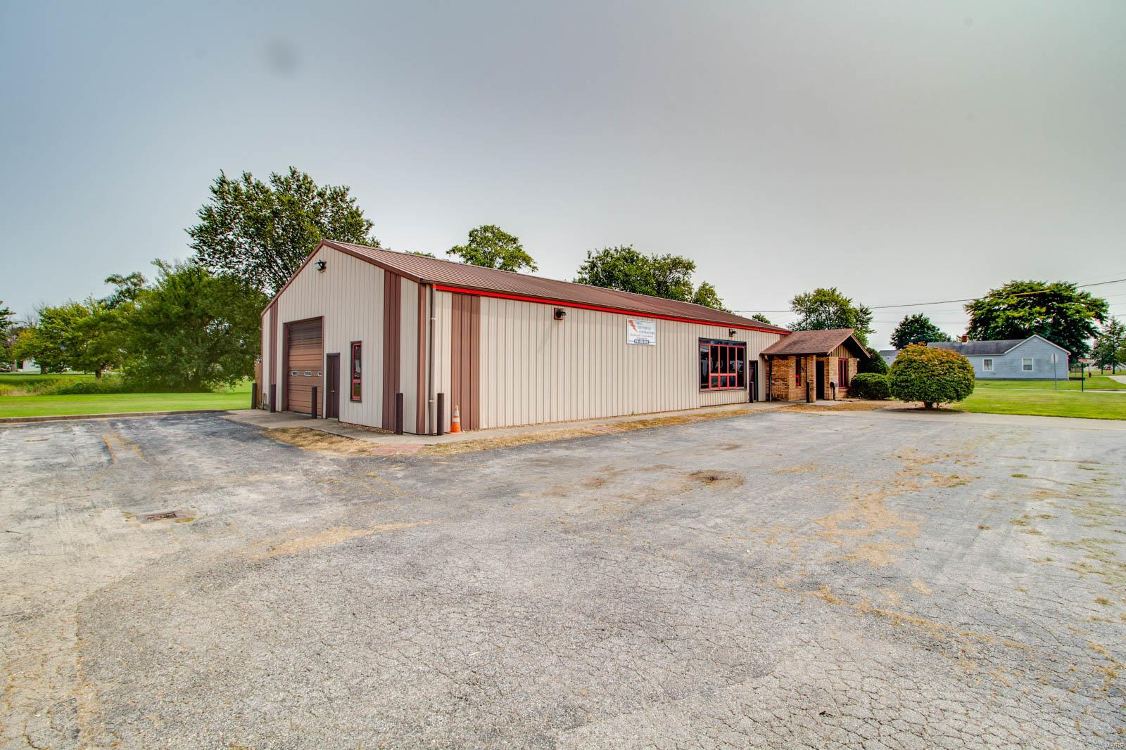409 S Mcgill Street Property Photo - Jerseyville, IL real estate listing