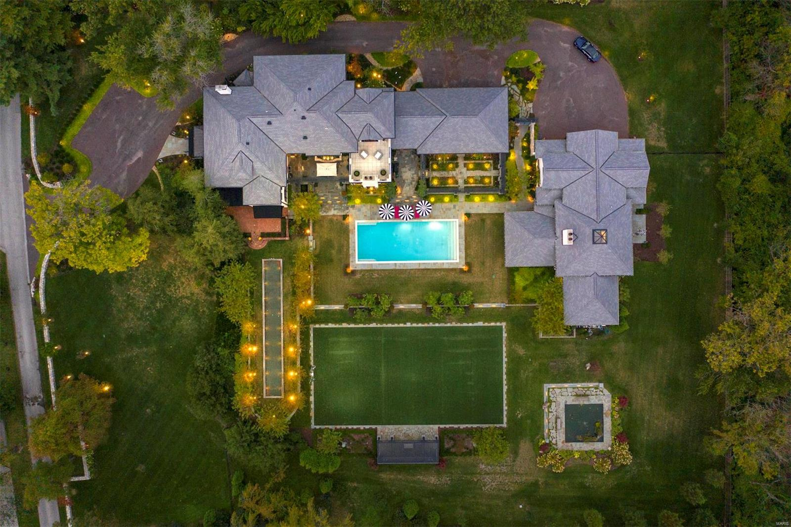 850 Kent Road Property Photo - Ladue, MO real estate listing