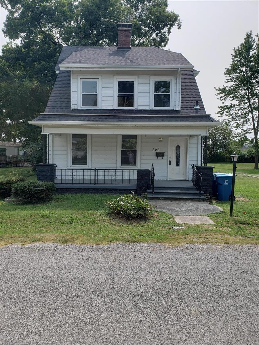 222 E Iowa Street Property Photo - Trenton, IL real estate listing