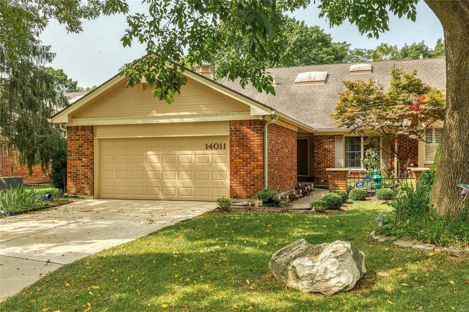 14011 Baywood Villages Drive Property Photo - Chesterfield, MO real estate listing