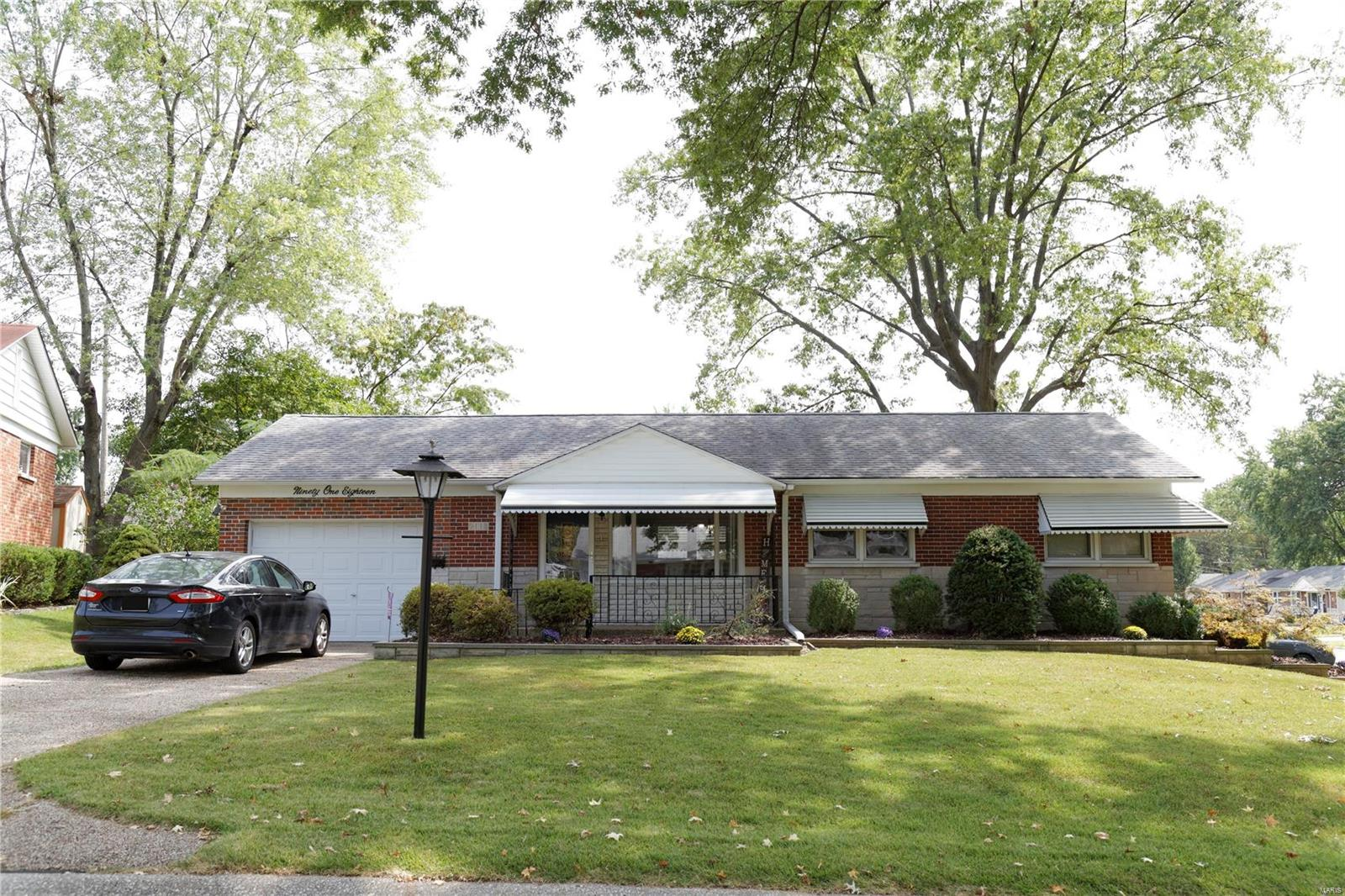 9118 Aztec Property Photo - St Louis, MO real estate listing