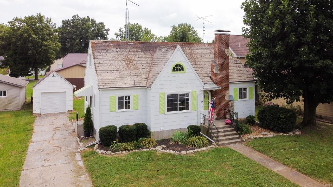 312 W St. John Property Photo - Vandalia, MO real estate listing