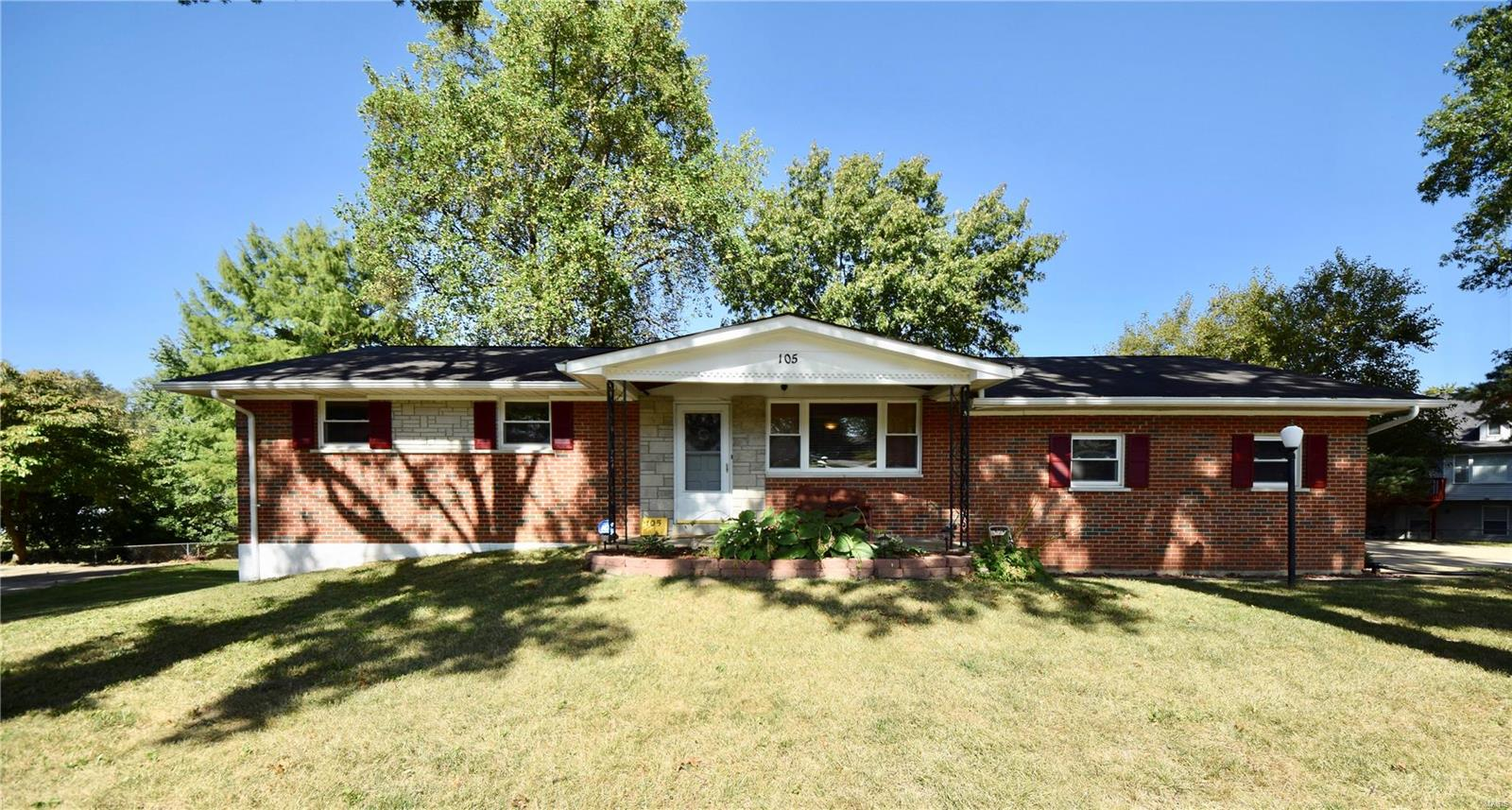 105 Green Acres Property Photo - St Louis, MO real estate listing