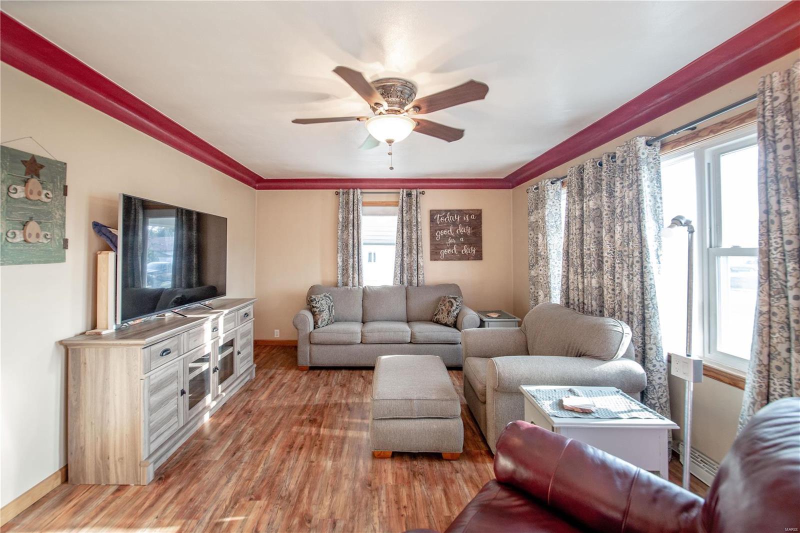 271 Sharp Street Property Photo - Beckemeyer, IL real estate listing