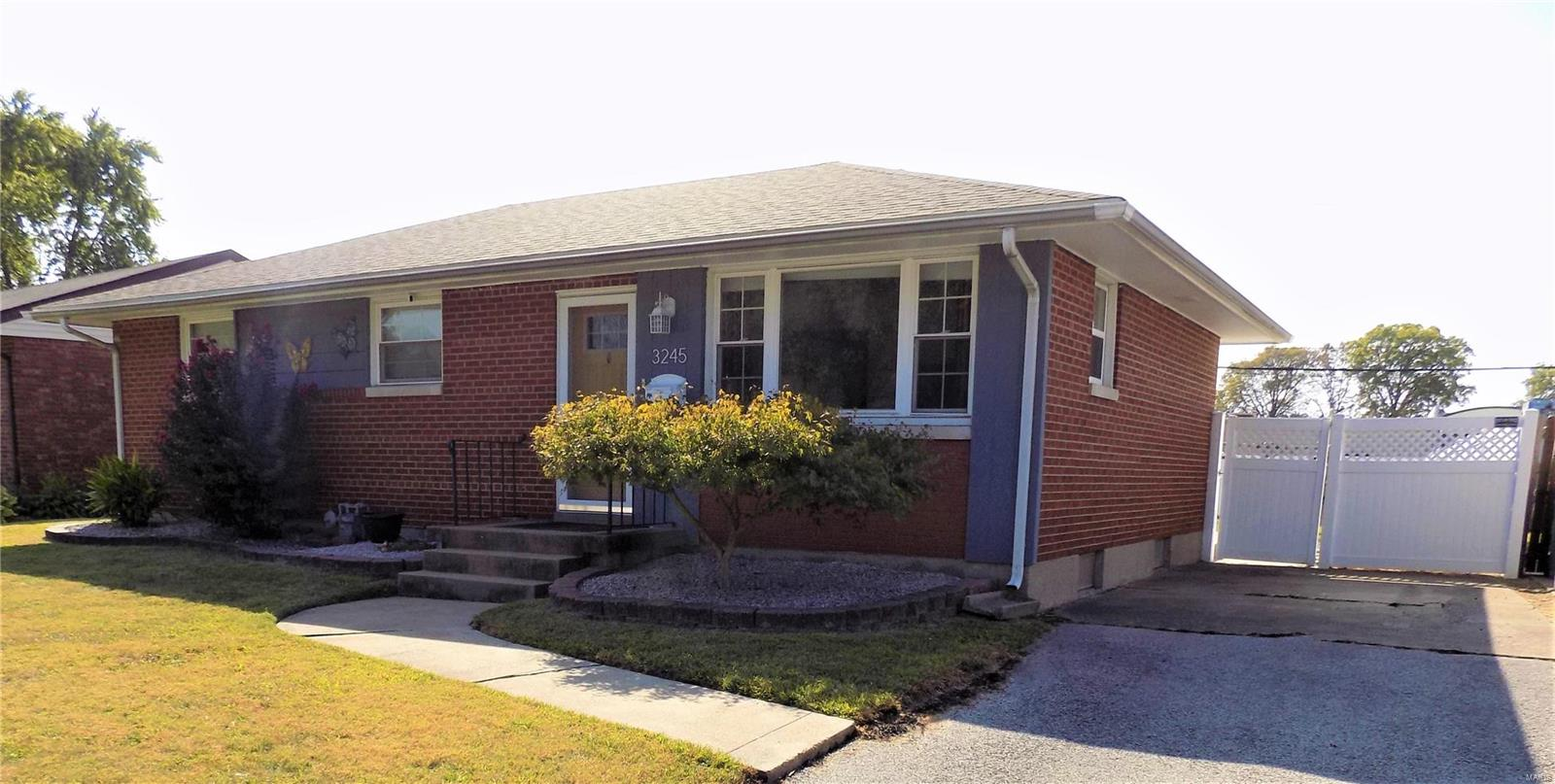 3245 CARLSON Avenue Property Photo - Granite City, IL real estate listing
