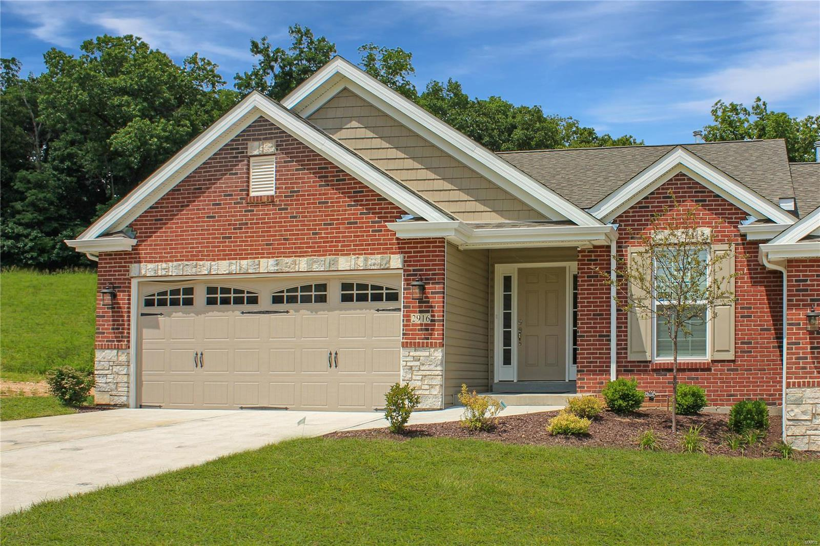 2912 Strawberry Ridge Drive Property Photo - Arnold, MO real estate listing