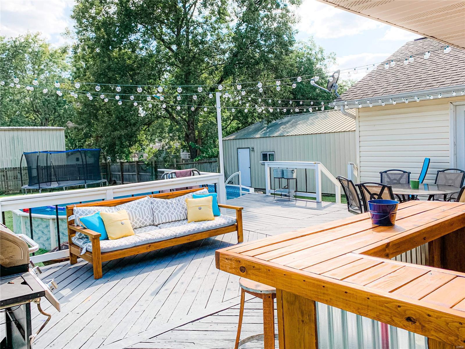 200 W Mack Street Property Photo