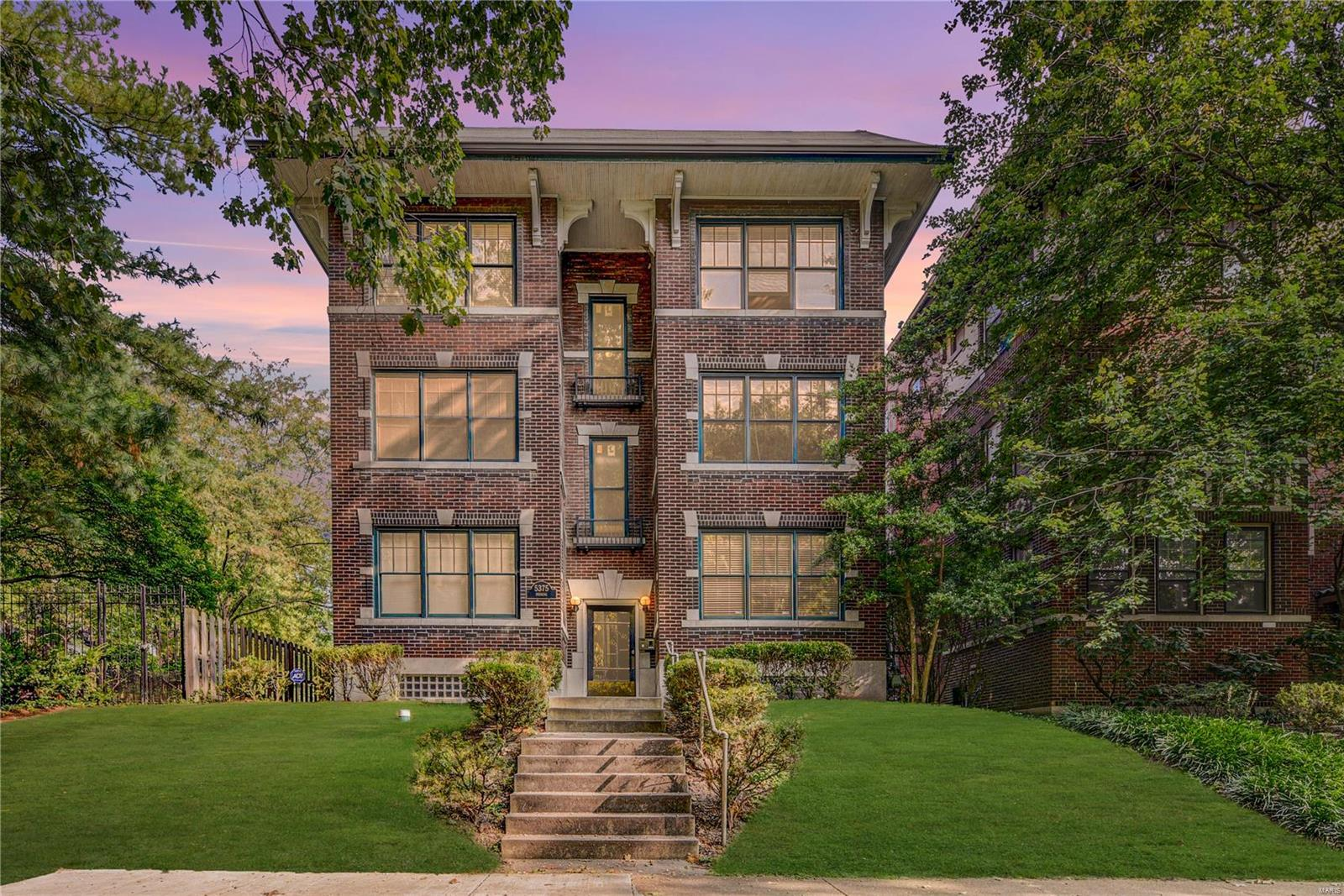 5375 Pershing Place Condos Real Estate Listings Main Image