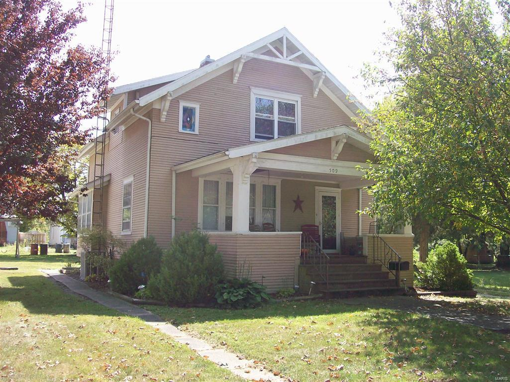 509 W Central Street Property Photo - Nokomis, IL real estate listing