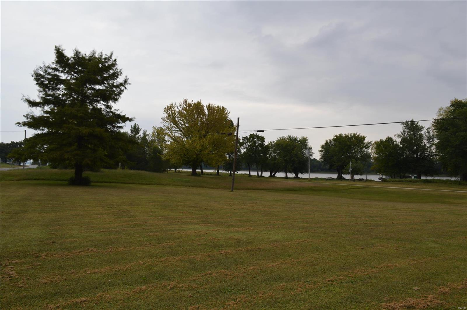 571 N Broadway Property Photo - Kampsville, IL real estate listing