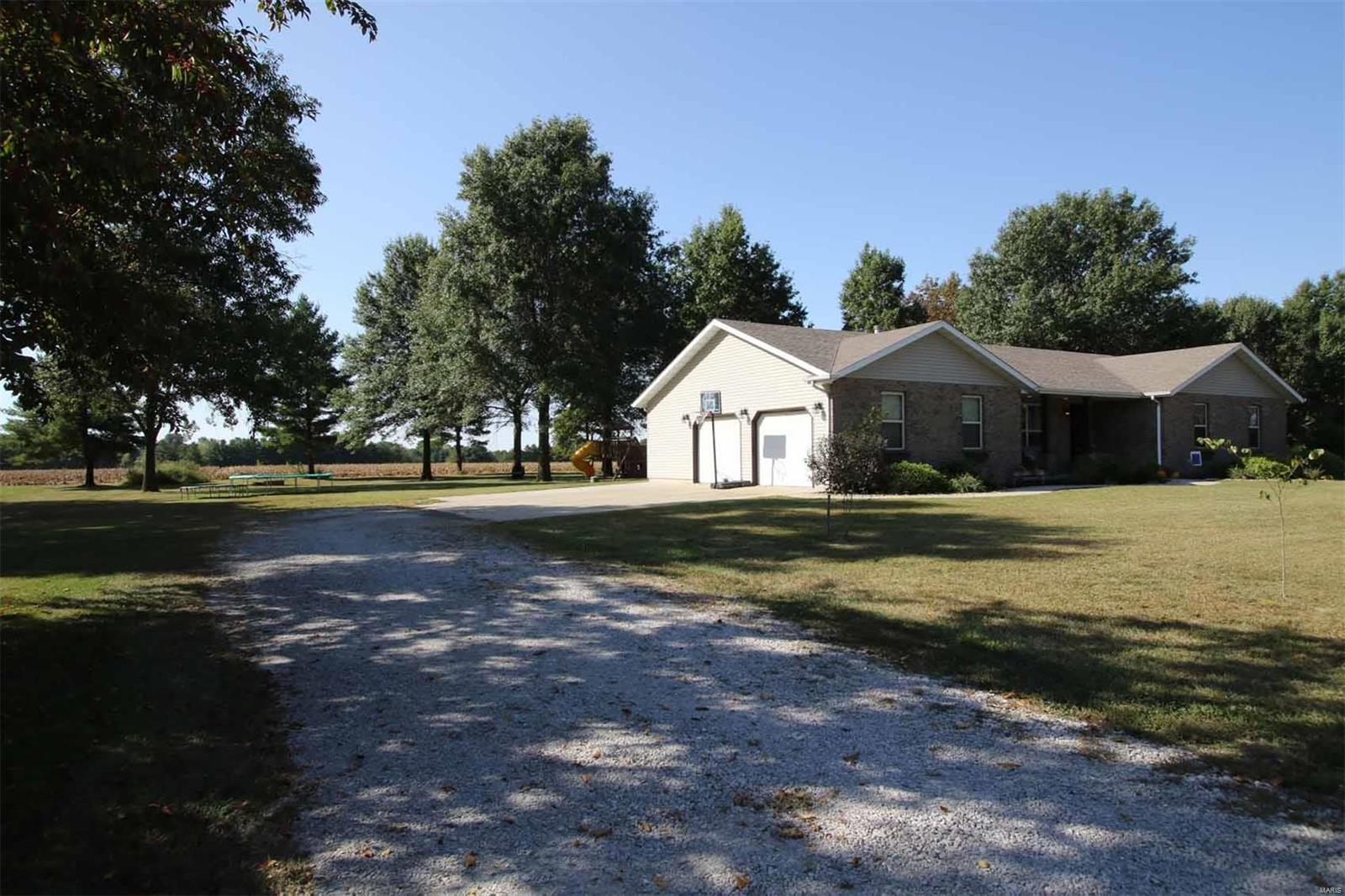 12920 Maple Street Property Photo - Highland, IL real estate listing