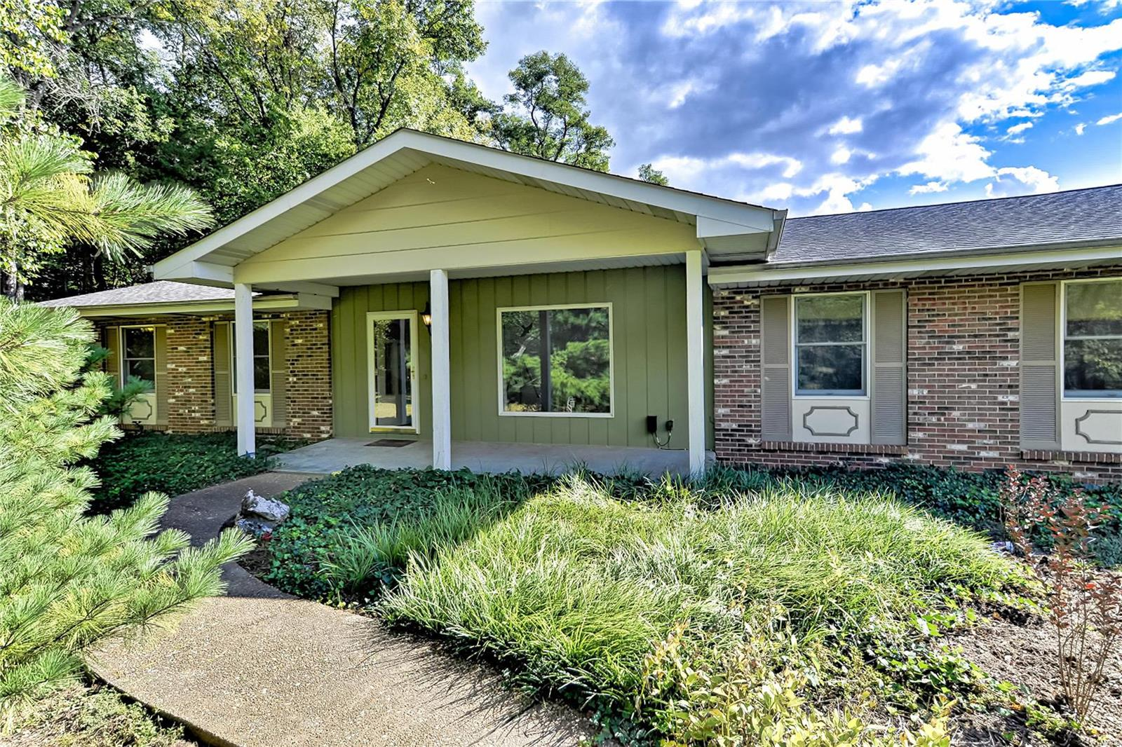 12 Nectar Lane Property Photo - Villa Ridge, MO real estate listing