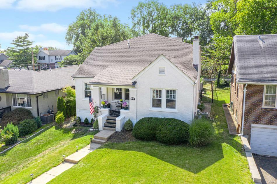 8780 Pine Avenue Property Photo - Brentwood, MO real estate listing