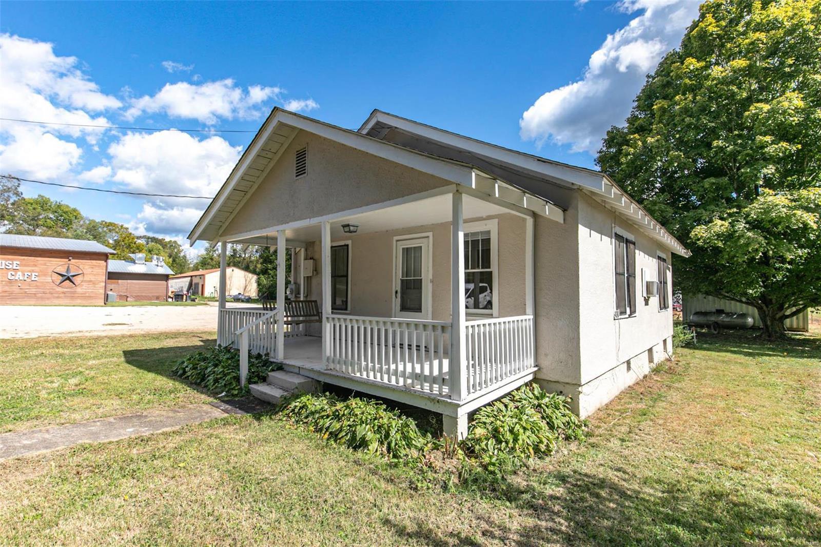 1411 East Main Street Property Photo - Van Buren, MO real estate listing