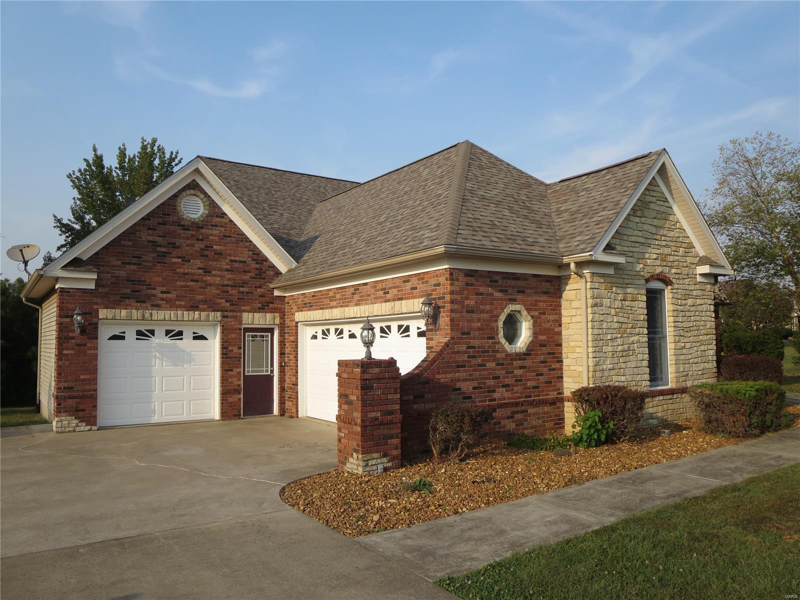 1500 Ridgeview Drive Property Photo