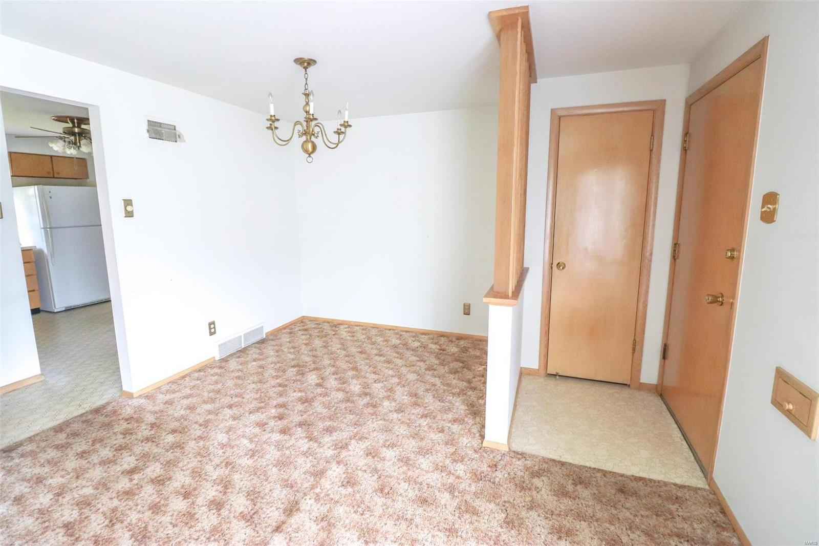 4122 Whippoorwill Drive Property Photo - St Louis, MO real estate listing