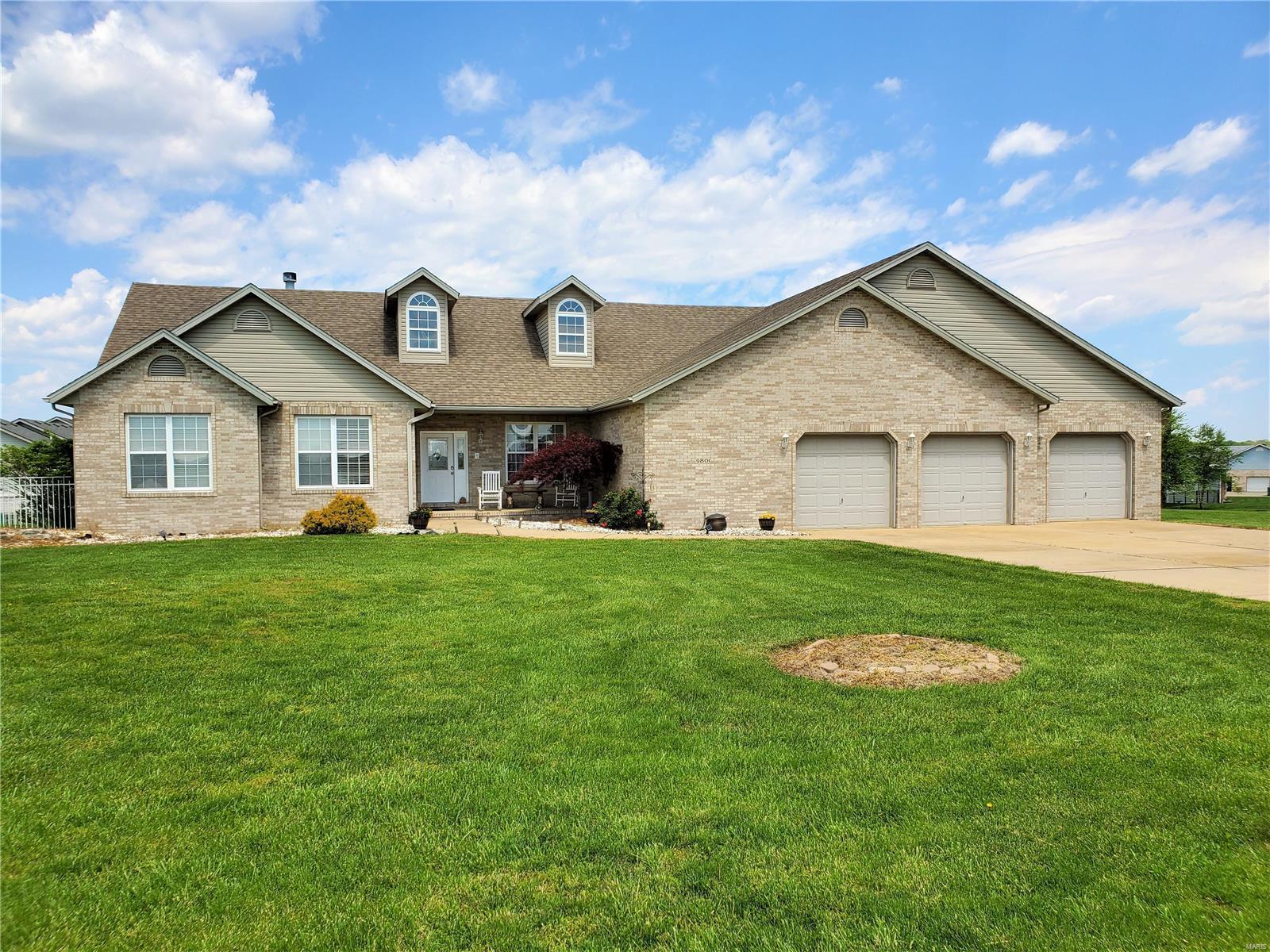 9801 BEACON Street Property Photo - St Jacob, IL real estate listing