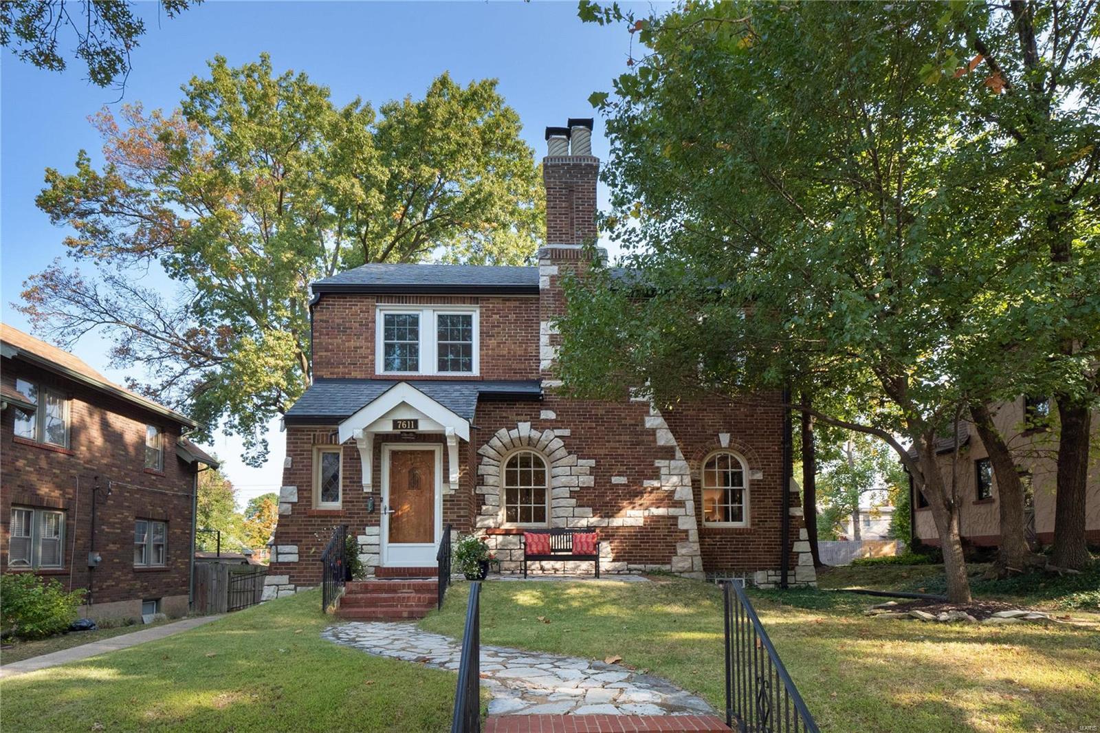 7611 Delmar Boulevard Property Photo - University City, MO real estate listing