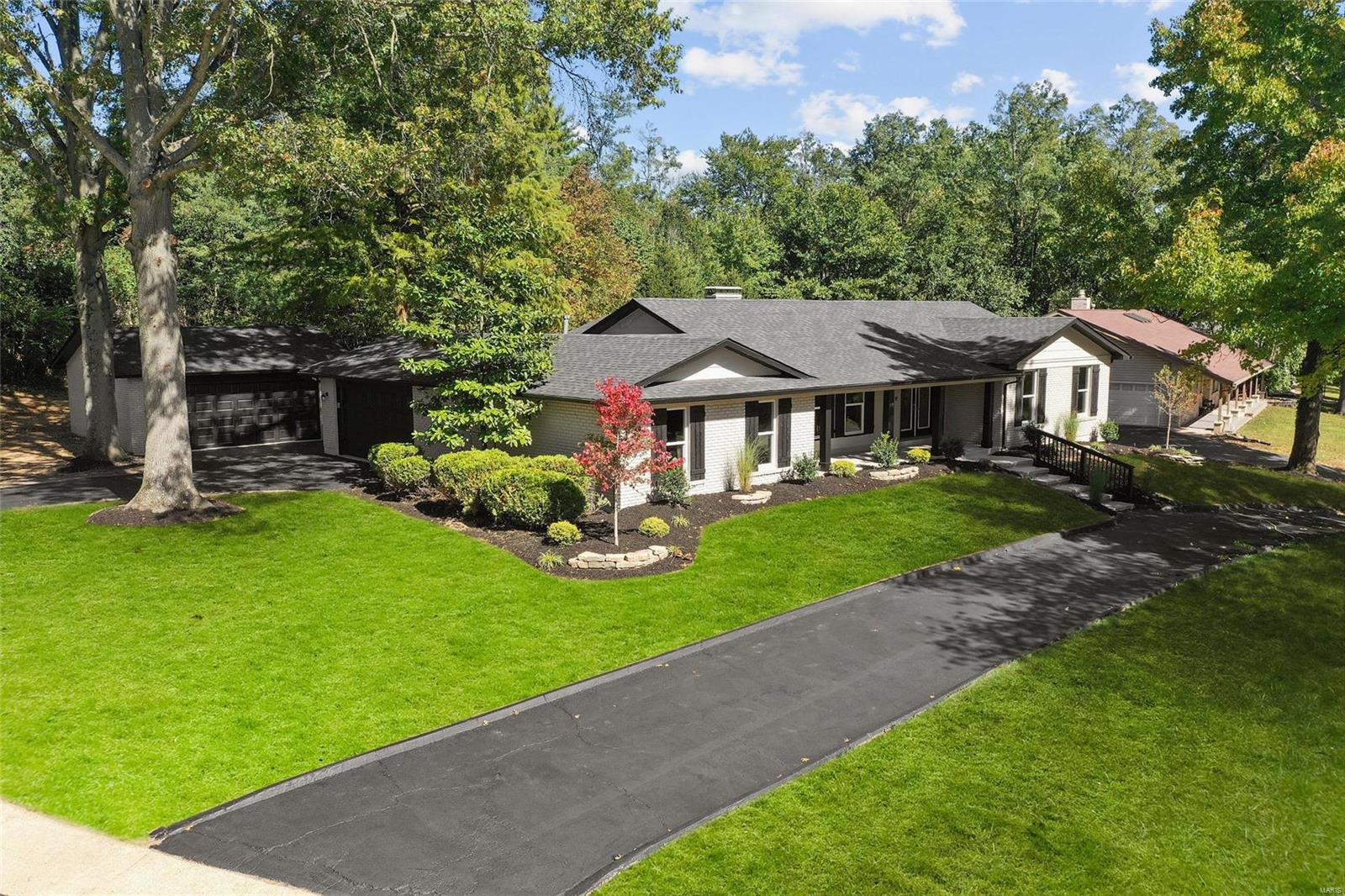 14391 Ladue Road Property Photo - Chesterfield, MO real estate listing