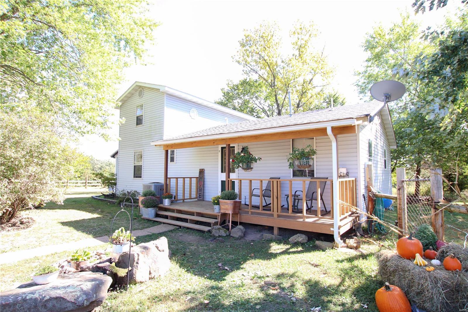 2224 Burnett Road Property Photo - Bourbon, MO real estate listing