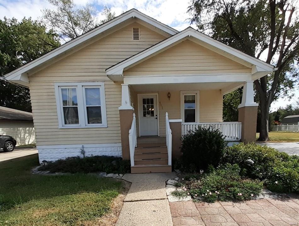 431 S Prairie Street Property Photo - Bethalto, IL real estate listing