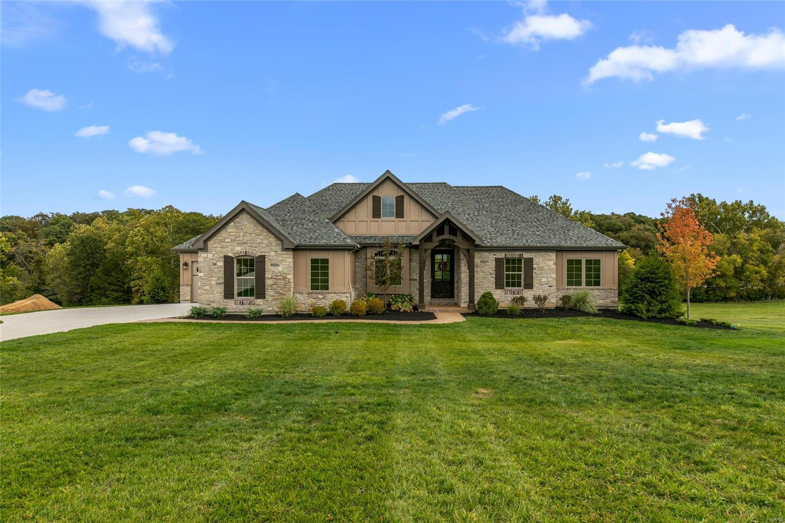 1 Tuscany Meadows Court Property Photo - Defiance, MO real estate listing