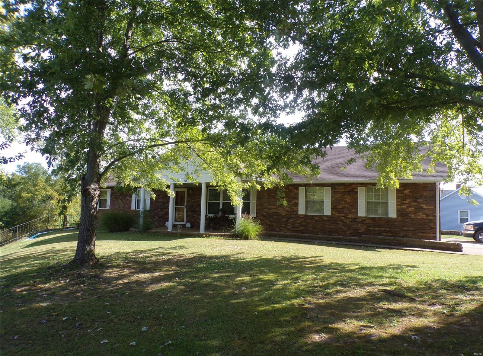 205 S Pine Street Property Photo - Dixon, MO real estate listing