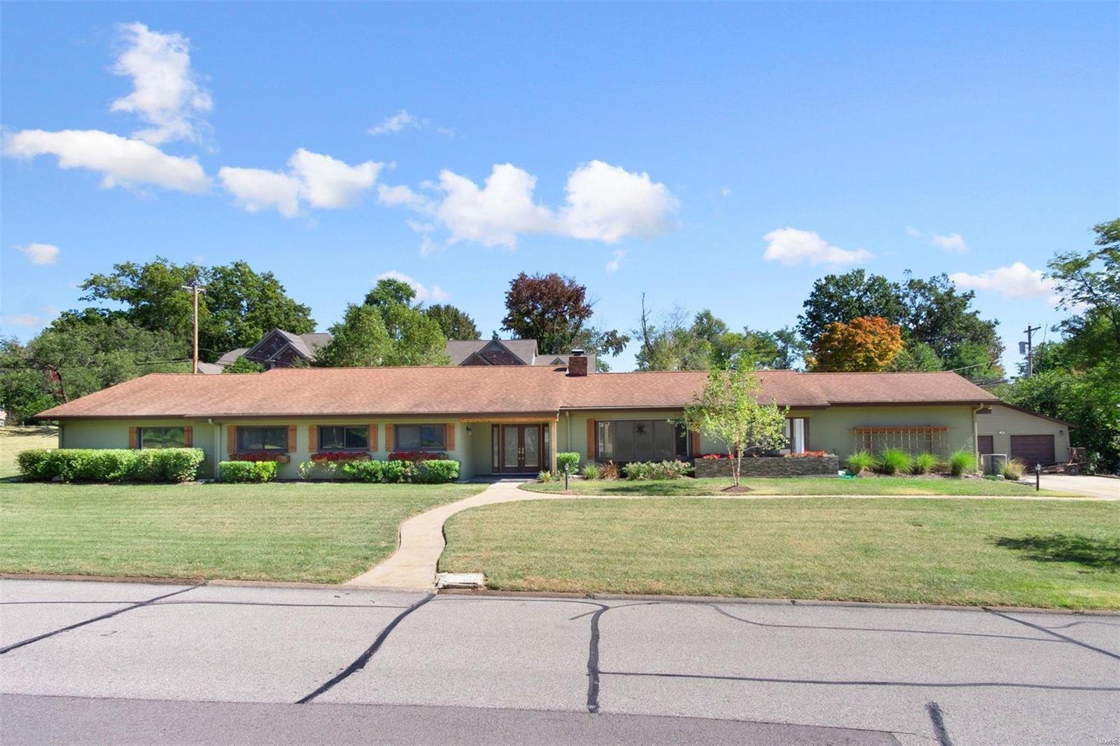 10 Stoneyside Property Photo - St Louis, MO real estate listing