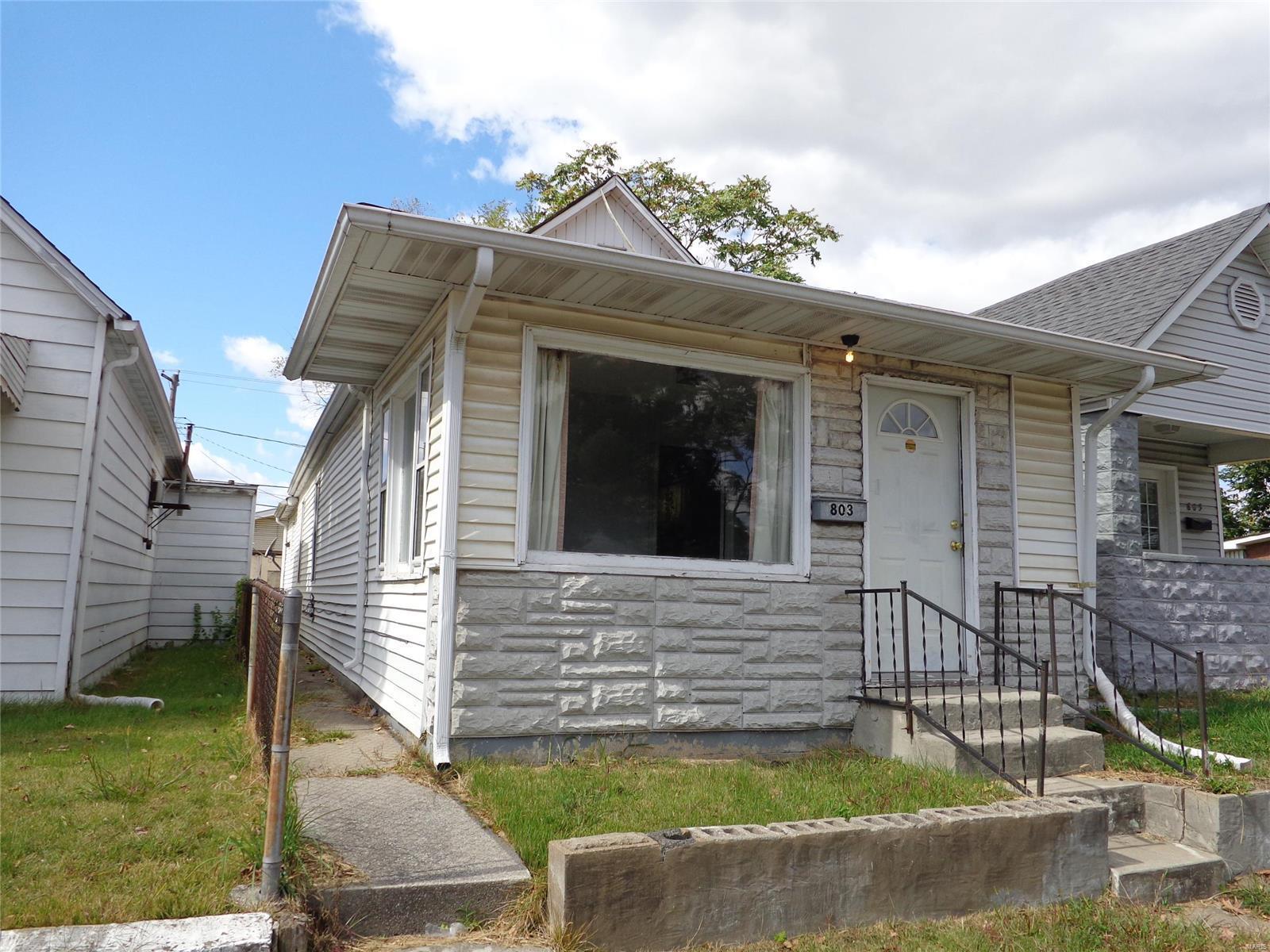 803 Iowa Street Property Photo - Madison, IL real estate listing