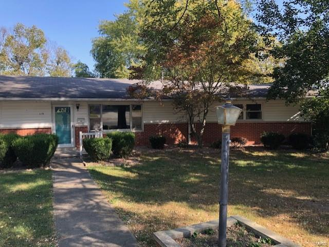 119 E Jackson Property Photo - Vandalia, IL real estate listing