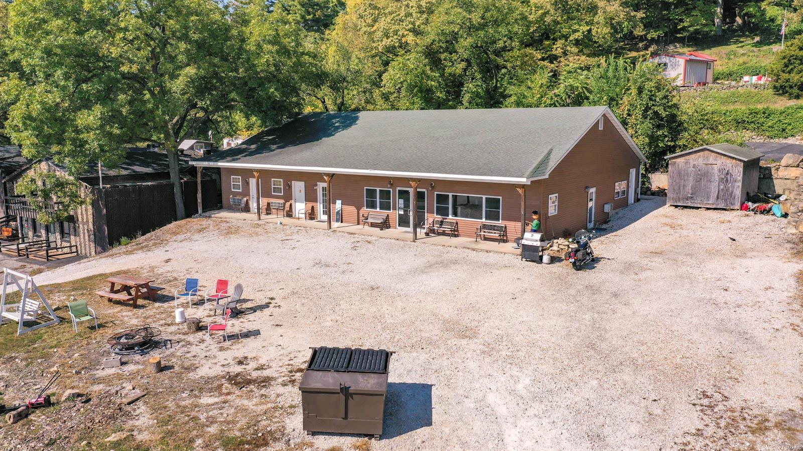 1446 Main W Property Photo - Grafton, IL real estate listing