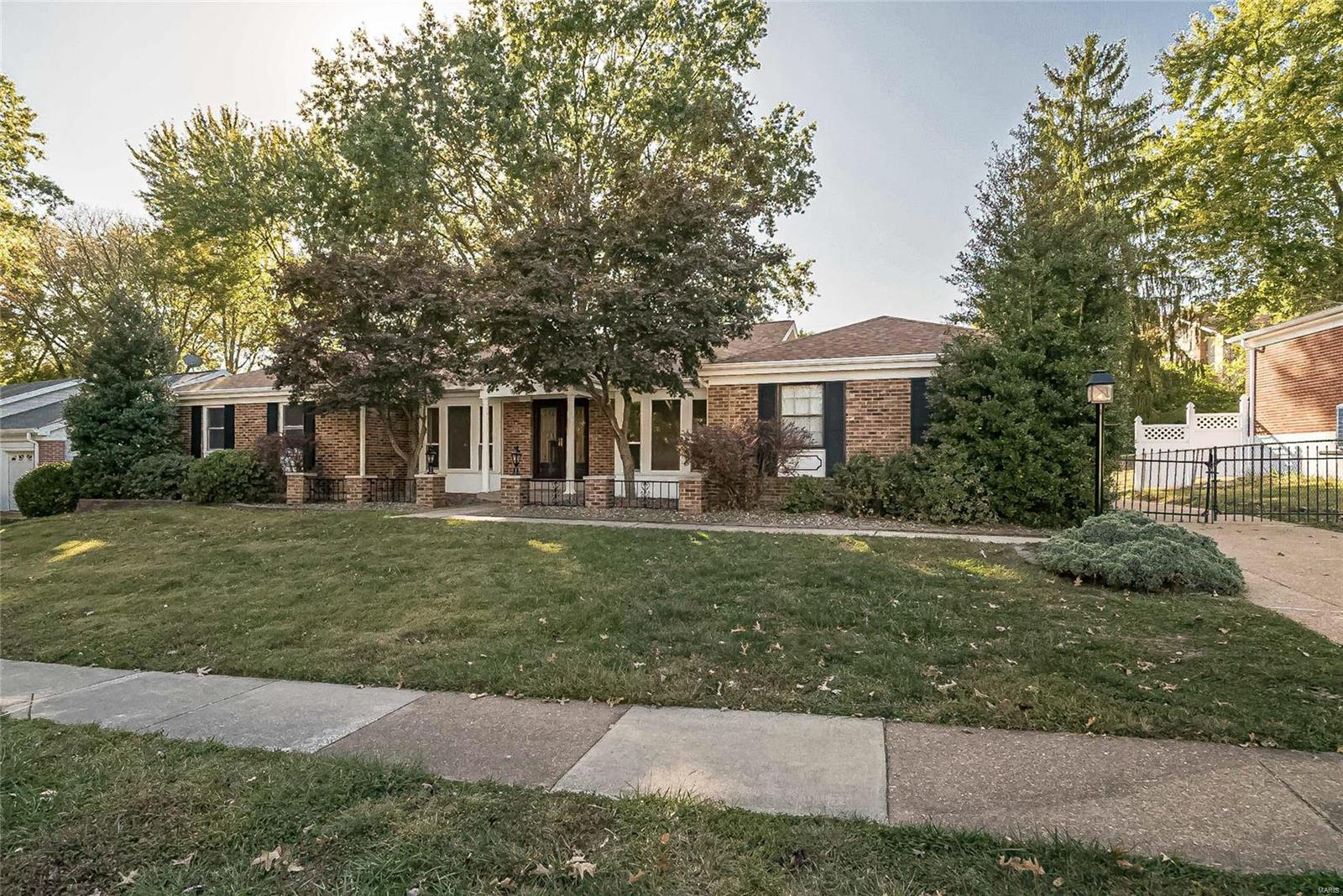 1919 Burlewood Property Photo - St Louis, MO real estate listing