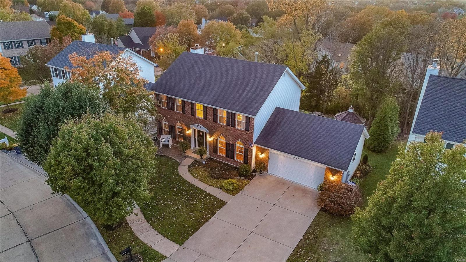 323 Harbour Pointe Drive Property Photo - Grover, MO real estate listing