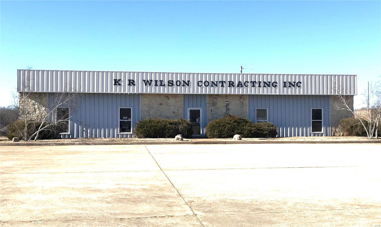 10895 N Service Road Property Photo - Bourbon, MO real estate listing