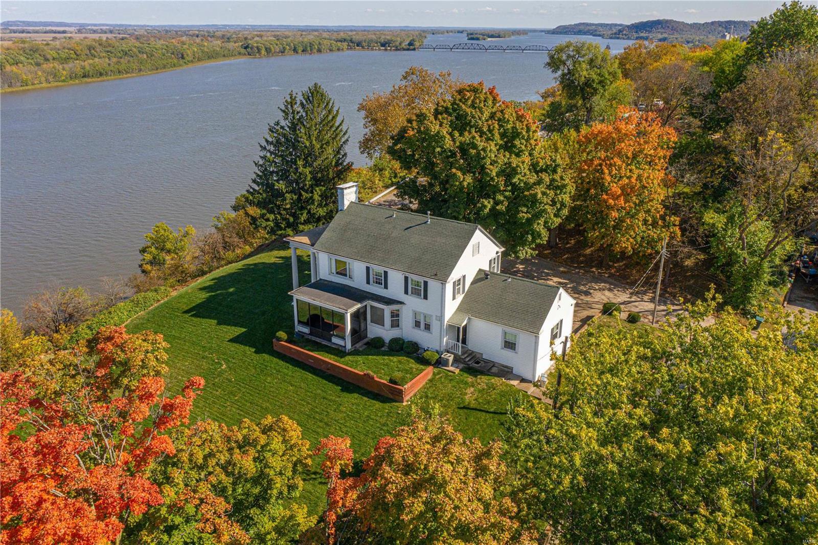 201 Noyes Property Photo - Louisiana, MO real estate listing