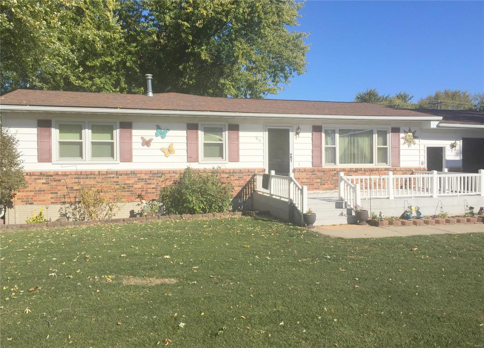 912 Lawn Street Property Photo - Monroe City, MO real estate listing