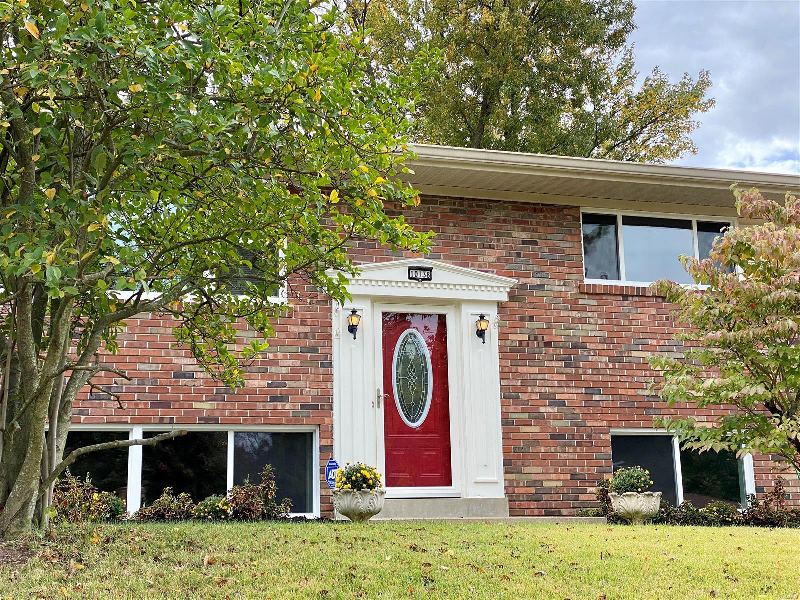 10138 Glenfield Property Photo - St Louis, MO real estate listing