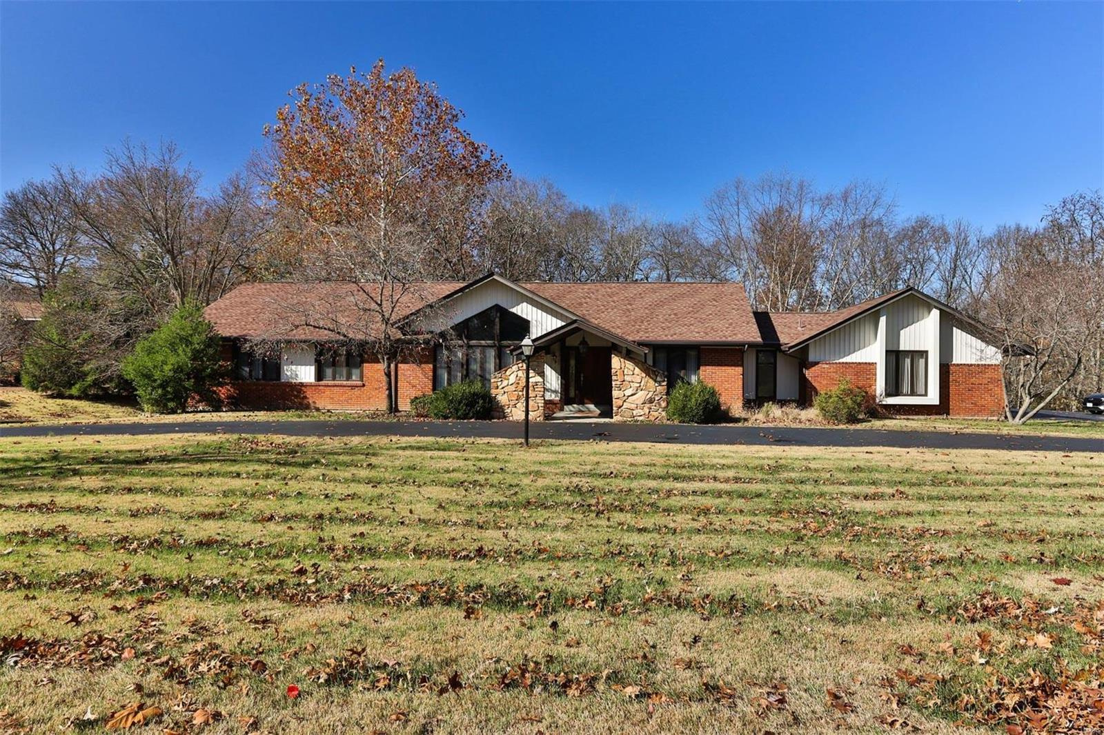 75 Meadowbrook Country Club Property Photo - Ballwin, MO real estate listing