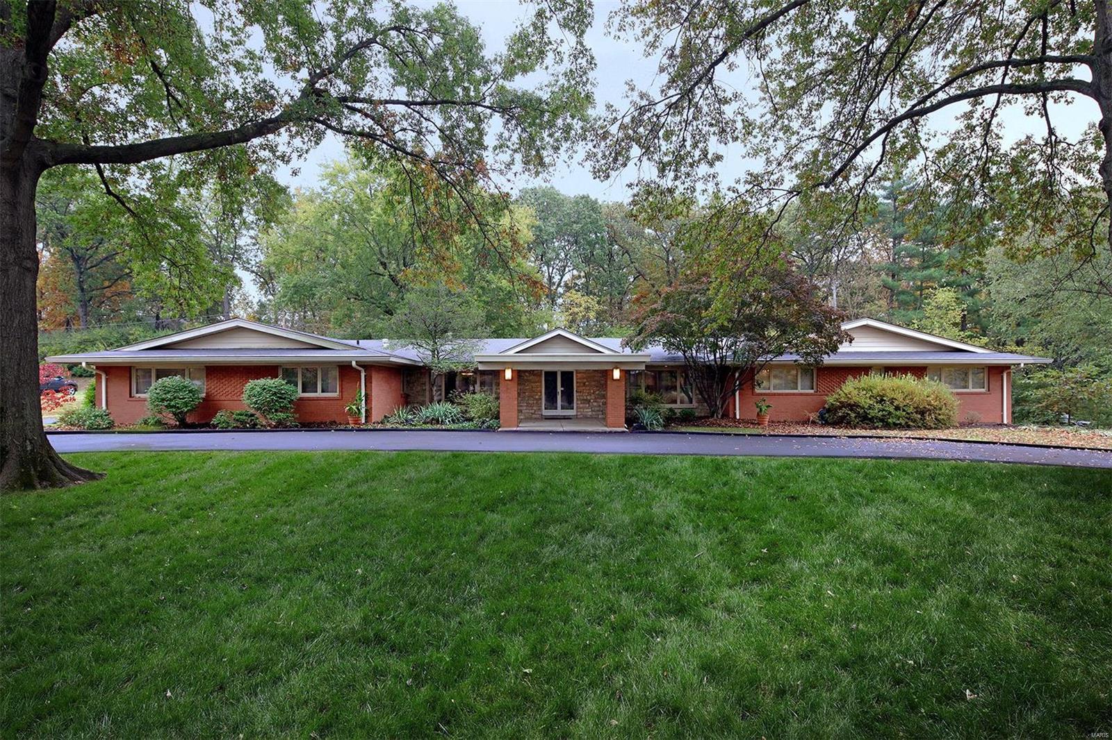 76 Ladue Estates Property Photo