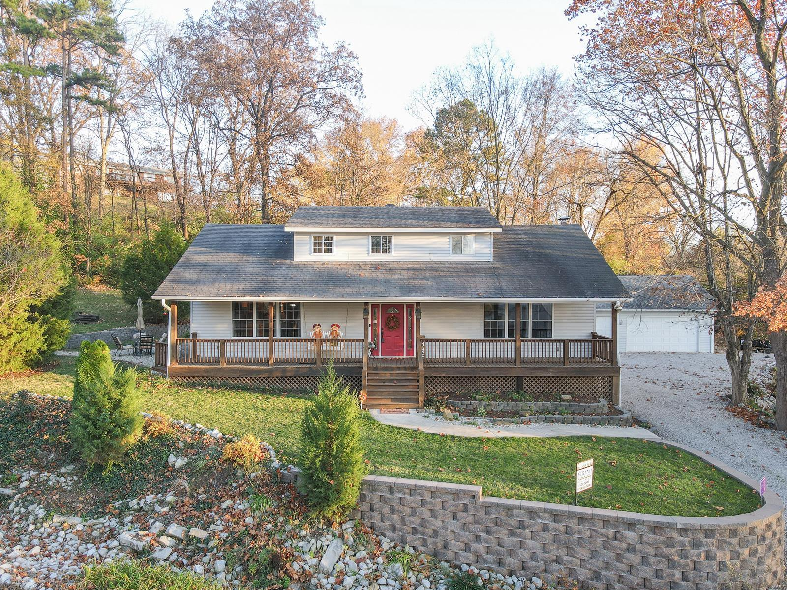 924 Sugarloaf Hill Property Photo - Dupo, IL real estate listing