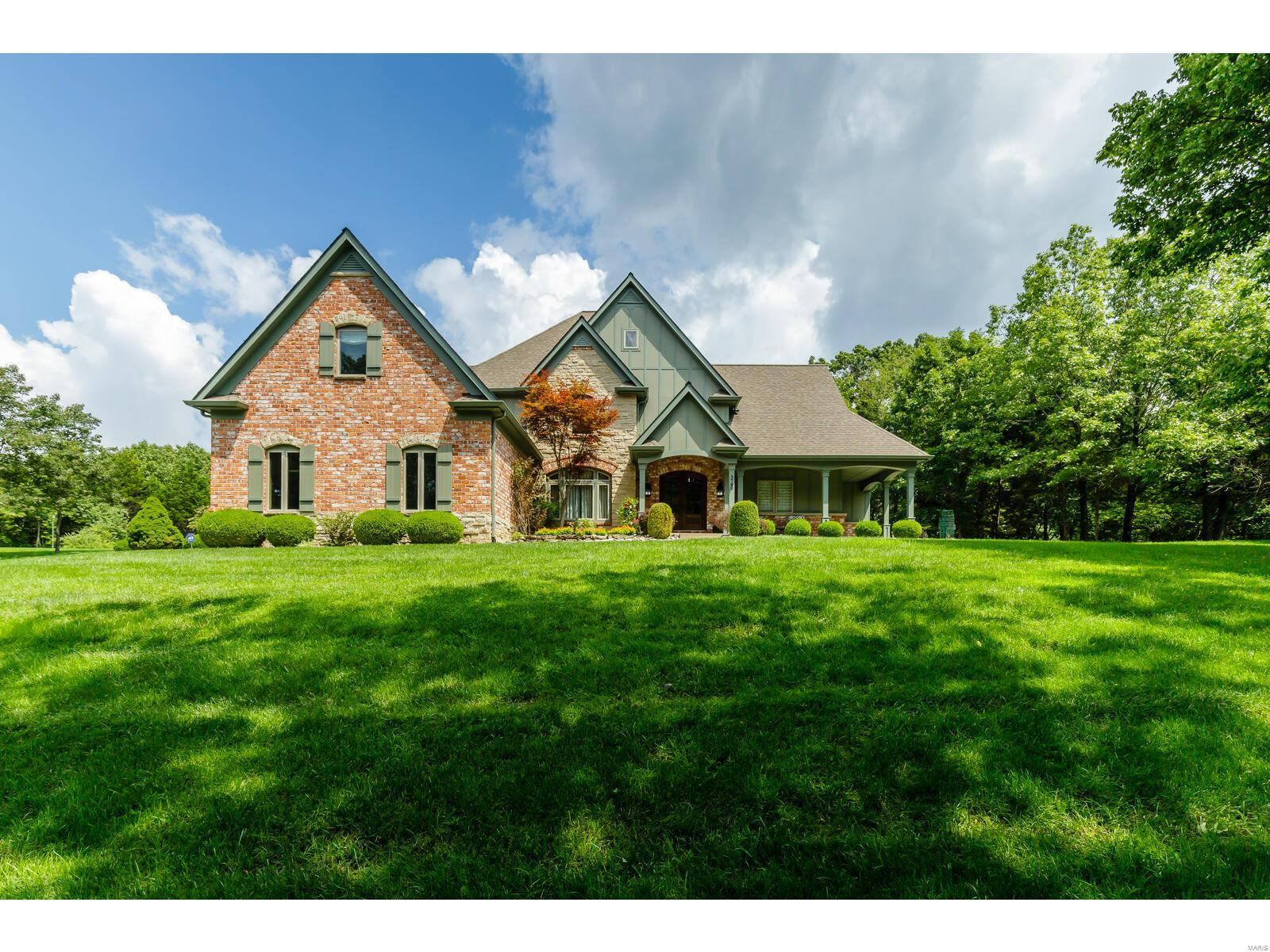 3760 Bear Tooth Lane Property Photo - Wildwood, MO real estate listing
