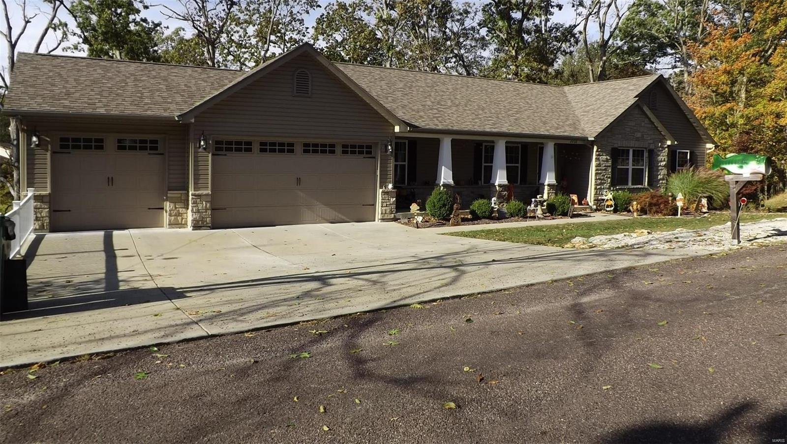7736 Lakeview Drive Property Photo - Hillsboro, MO real estate listing