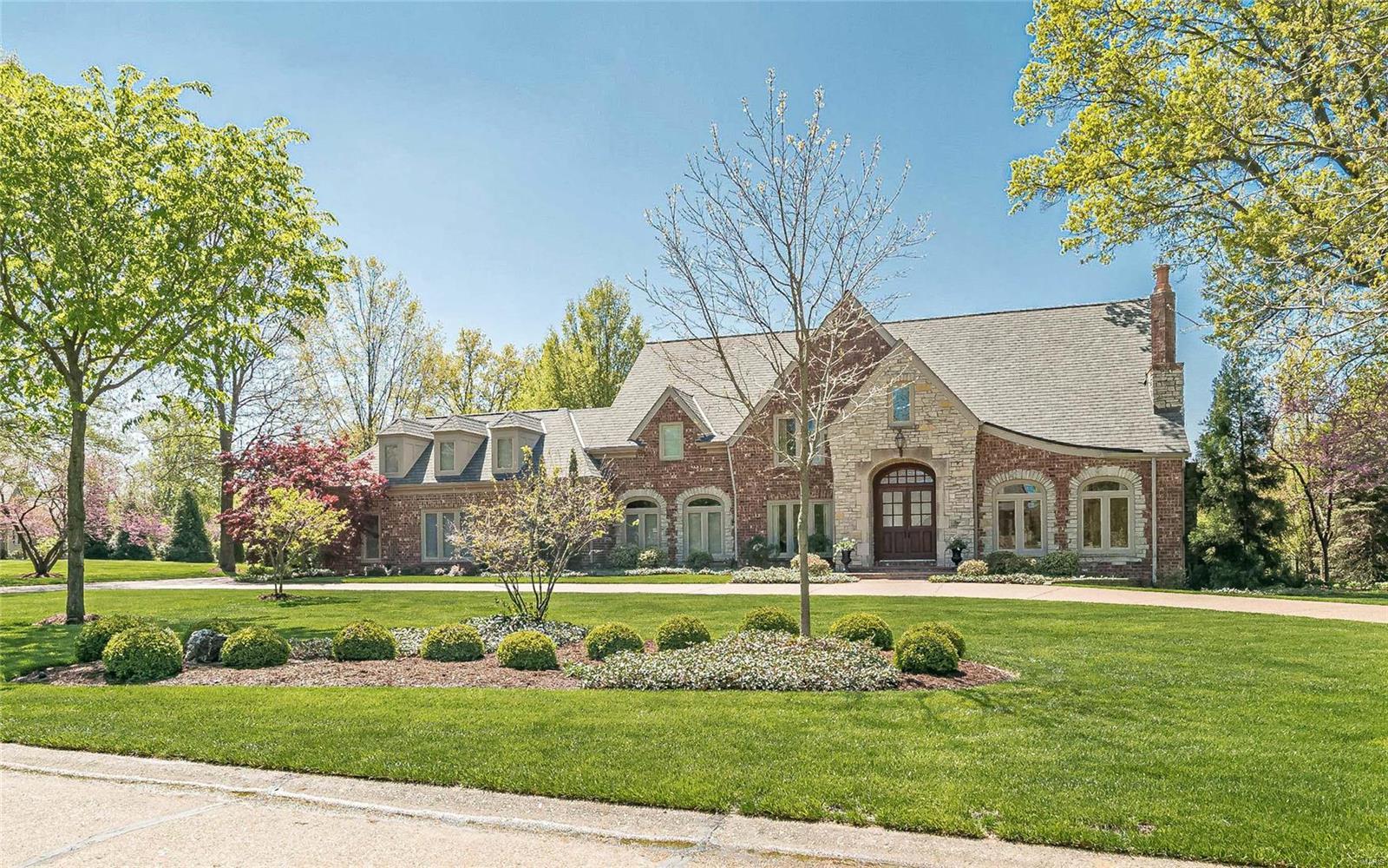 8 Devondale Lane Property Photo