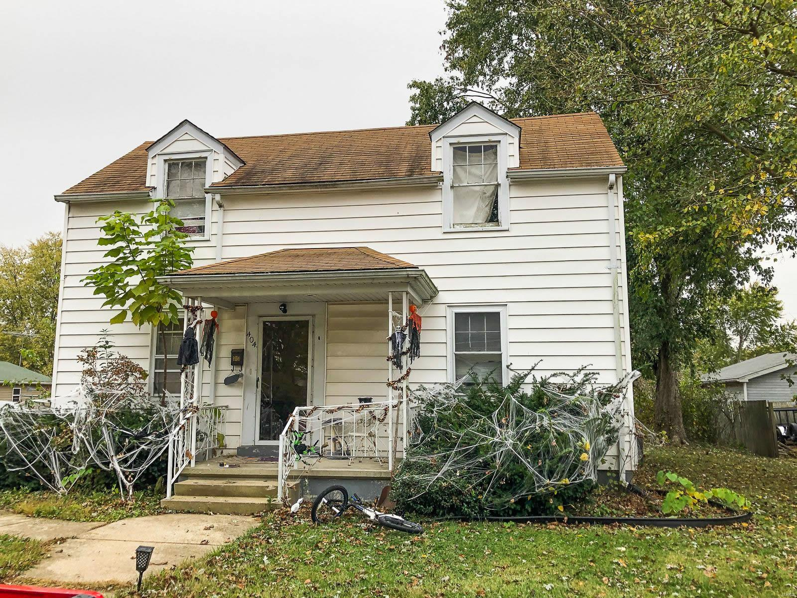 404 E 4th North Street Property Photo - Mount Olive, IL real estate listing