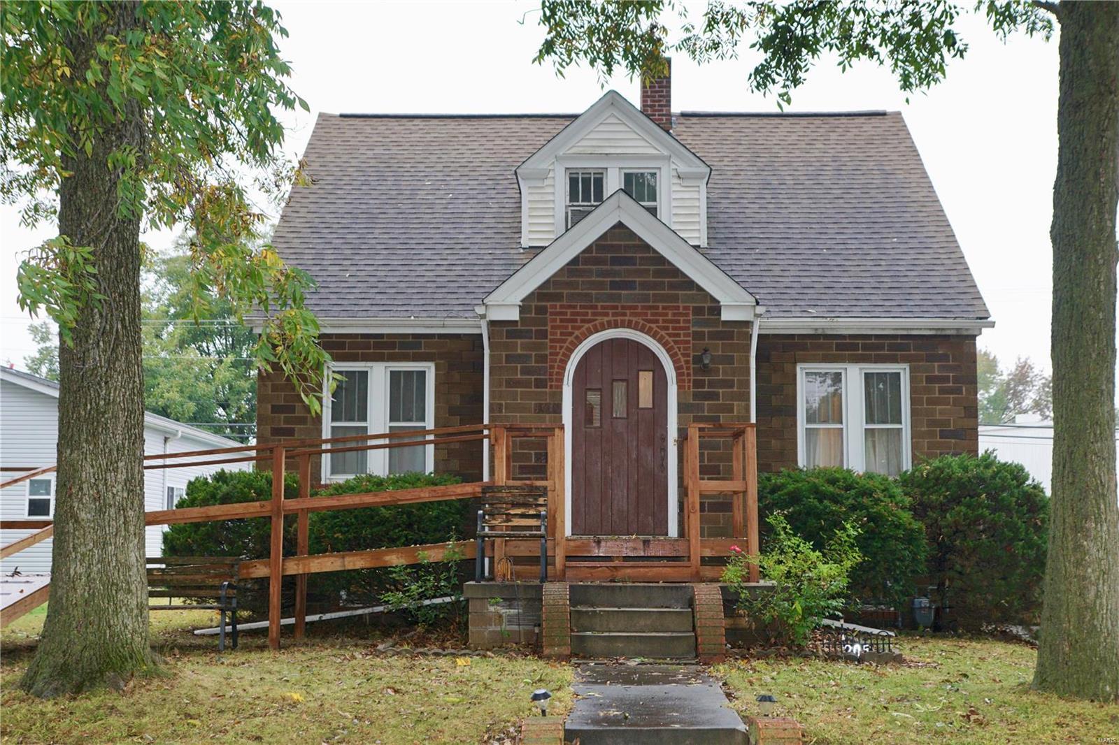 205 N Smith Street Property Photo - Smithton, IL real estate listing